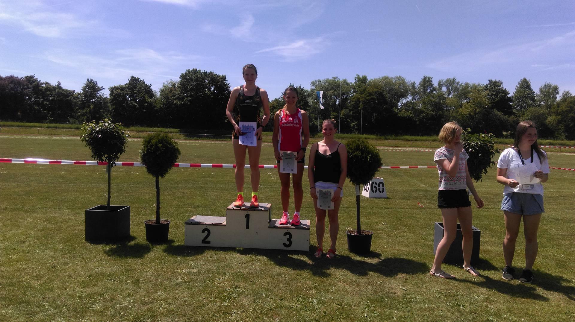 Siegerehrung Frauen 800m